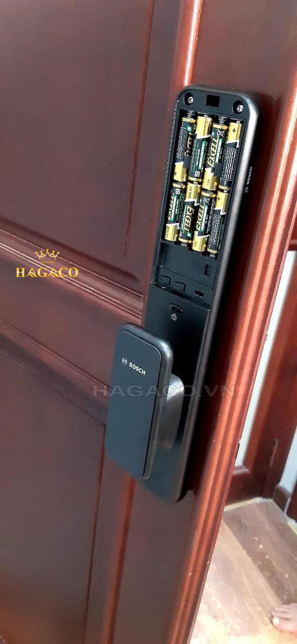 Khóa Bosch EL600B sử dụng Pin 4AA để vận hành