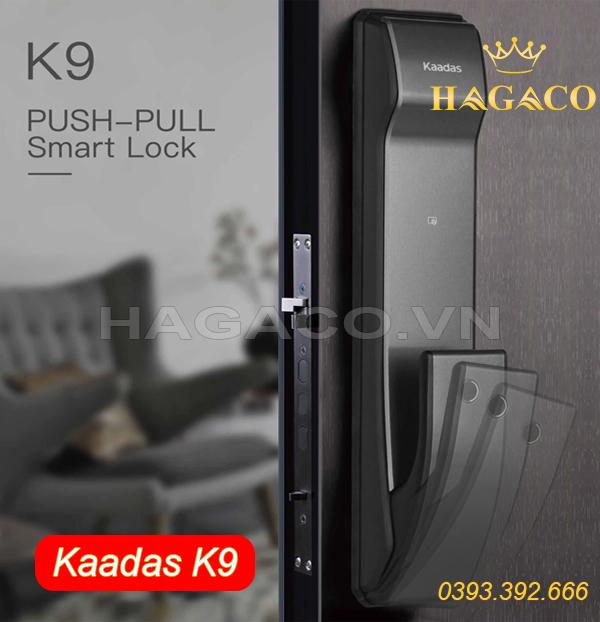 Khóa điện tử Kaadass với tay nắm kéo đẩy thiết kế dọc thân khóa